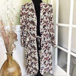 ☕️ 5/$25 BKE The Buckle Medium Floral Kimono